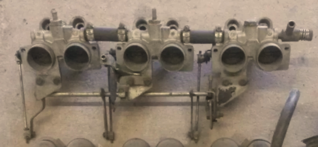 Triumph 2.5PI saloon mk 1 inlet manifolds photo