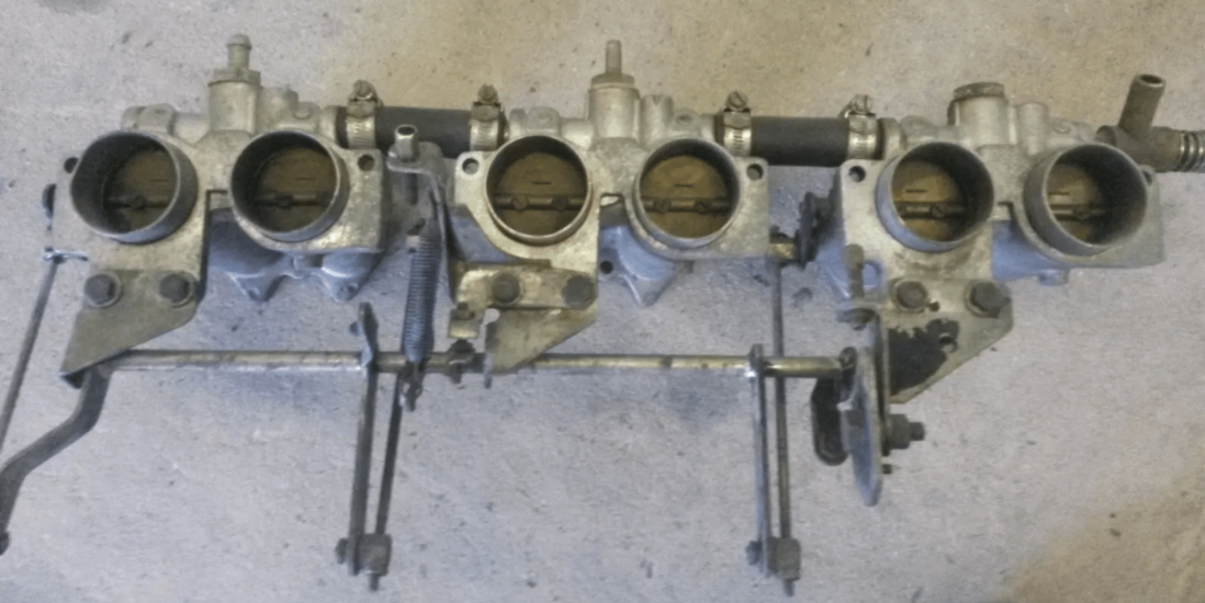 Original saloon PI throttle linkages